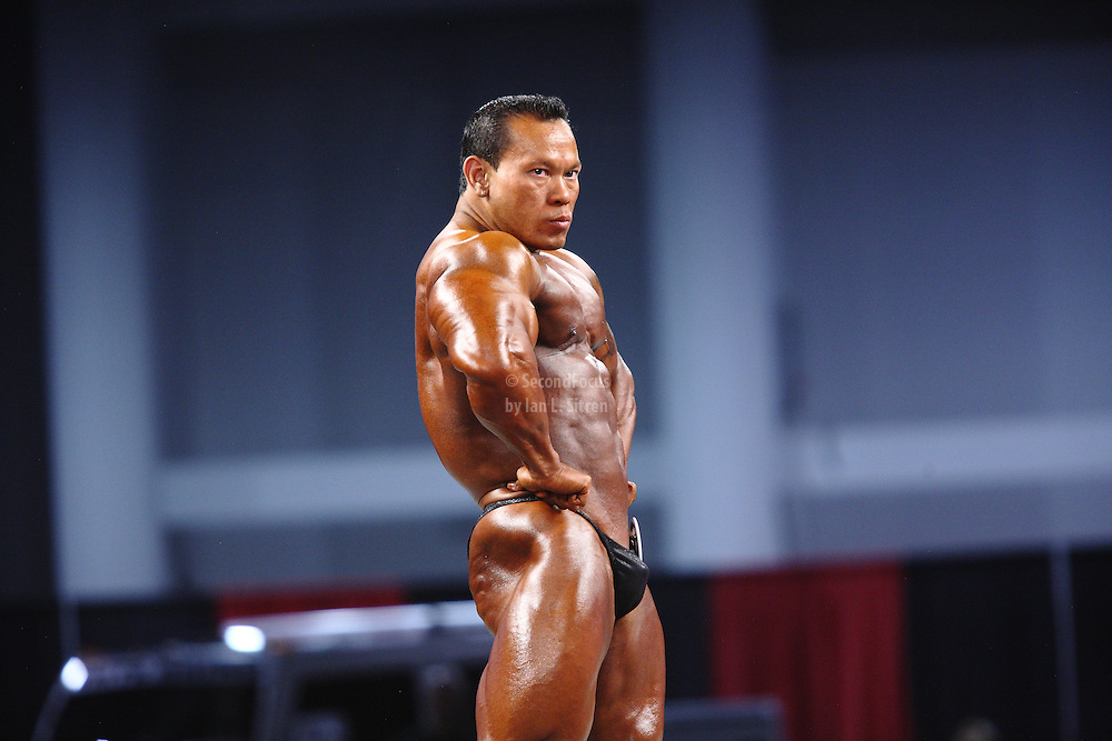 Kris Dim on stage at the pre-judging for the 2009 Olympia 202 competition in Las Vegas.