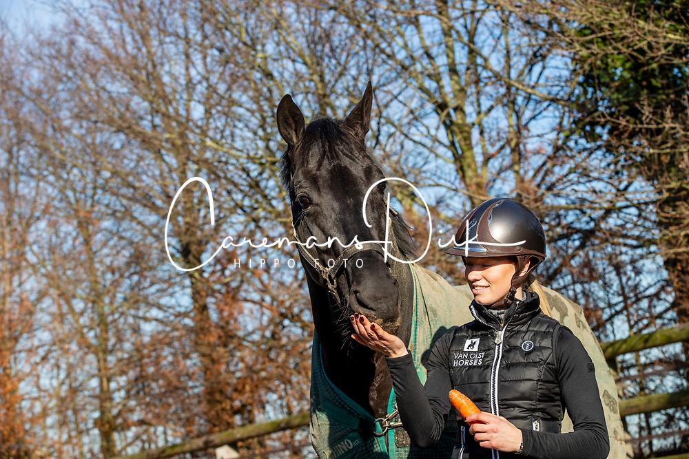 Fry Charlotte, NED, Glamourdale<br /> Stal Van Olst - Den Hout 2019<br /> © Hippo Foto - Dirk Caremans<br /> $14/02/2019