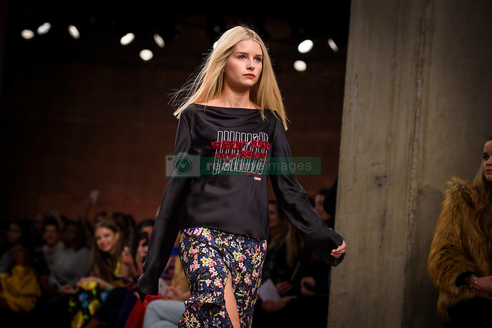 Model Lottie Moss on the catwalk at at the Topshop Unique Autumn/Winter 2017 London Fashion Week show at Tate Modern, London. PRESS ASSOCIATION Photo. Picture date: Sunday February 19th, 2017. Photo credit should read: Matt Crossick/PA Wire.