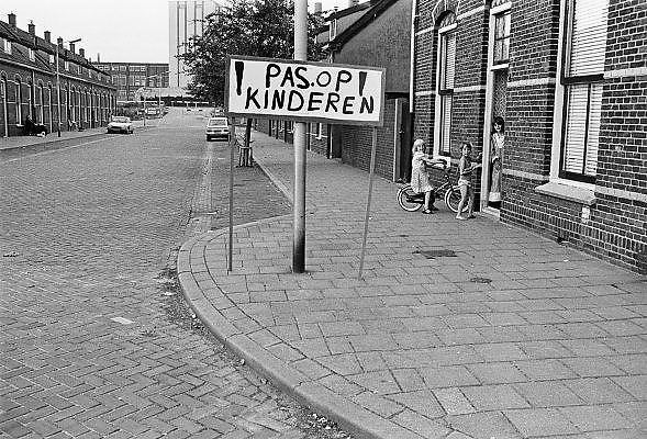 Nederland, Nijmegen, 10-10-1980Serie beelden over het wonen en sociale woningbouw in verschillende wijken van de stad. In het Waterkwartier.In het kader van stadsvernieuwing en renovatie van buurten gemaakt.FOTO: FLIP FRANSSEN/ HH