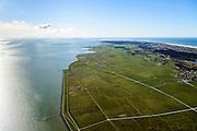 Nederland, Friesland, Terschelling, 28-02-2016; Terschellinger Polder, ter hoogte van Formerum met links de Waddenzee. Foto richting West-Terschelling, Vlieland aan de verre horizon. <br /> Wadden island Terschelling with polder next to Wadden sea. <br /> luchtfoto (toeslag op standard tarieven);<br /> aerial photo (additional fee required);<br /> copyright foto/photo Siebe Swart