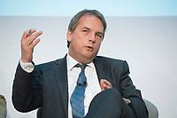 20 JUN 2012, BERLIN/GERMANY:<br /> Christof Ruehl, Chefoekonom/Chefvolkswirt der BP Gruppe in London, waehrend einer Podiumsdiskussion, Humbold Carre<br /> IMAGE: 20120620-01-011<br /> KEYWORDS: Christof Rühl