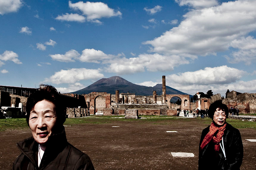 Japanese tourists visit Pompeii.Nearly 4 months after the collapse of the House of the Gladiators and then of a wall at the House of the Moralist, Pompeii still faces neglet and mismanagement.Now the Italian government has begun to investigate the matter. Nine people are to be questioned, although Marcello Fiori, the emergency commissioner who was appointed to save the site in 2008, is conspicuously absent from the group.Those who will be grilled by the public prosecutor include the former superintendent of Naples and Pompeii, the site director who oversaw the waterproofing of the House of the Gladiators, the head of technical services at Pompeii, and an architect. The investigation will also examine Fiori's administration, which ended in July, including its use of government funds, which many critics have seen as wasteful and ineffective.