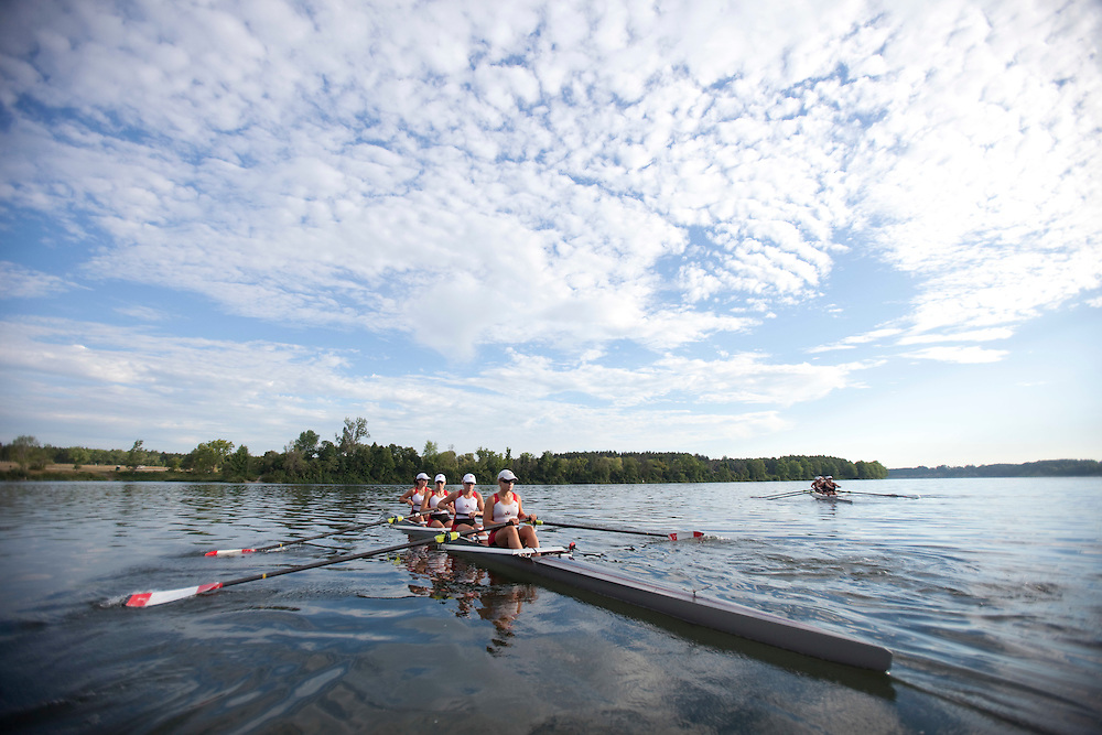 London, Ontario ---11-08-05--- Canadian women's 8 rowing crew take to the water on Fanshawe Lake in London, Ontario for an early morning practice August 5, 2011.<br /> GEOFF ROBINS The Globe and Mail