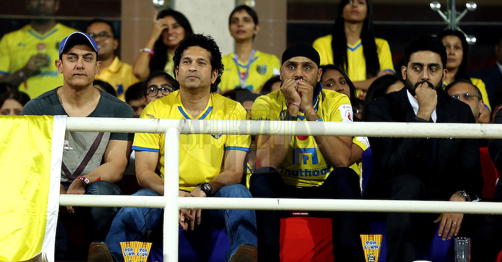 Actor Amir Khan , Sachin Tendulkar, Former India cricket player and co-owner of  Kerala Blasters FC ,  Harbhjan SIngh indian cricket Player and Abhishek Bachchan, Actor co-owner of Chenaiyin FC during the final of the Hero Indian Super League between Kerala Blasters FC and Atletico de Kolkata held at the D.Y. Patil Stadium, Navi Mumbai, India on the 2oth December 2014.<br /> <br /> Photo by:  Sandeep Shetty / ISL/ SPORTZPICS