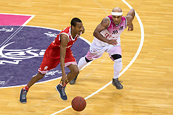 28.03.2016, Telekom Dome, Bonn, GER, Beko Basketball BL, Telekom Baskets Bonn vs FC Bayern Muenchen, 23. Runde, im Bild Alex Renfroe (FC Bayern Muenchen #12) gegen Eugene Lawrence (Telekom Baskets Bonn #10) // during the Beko Basketball Bundes league 23th round match between Telekom Baskets Bonn and FC Bayern Munich at the Telekom Dome in Bonn, Germany on 2016/03/28. EXPA Pictures © 2016, PhotoCredit: EXPA/ Eibner-Pressefoto/ Schüler<br /> <br /> *****ATTENTION - OUT of GER*****