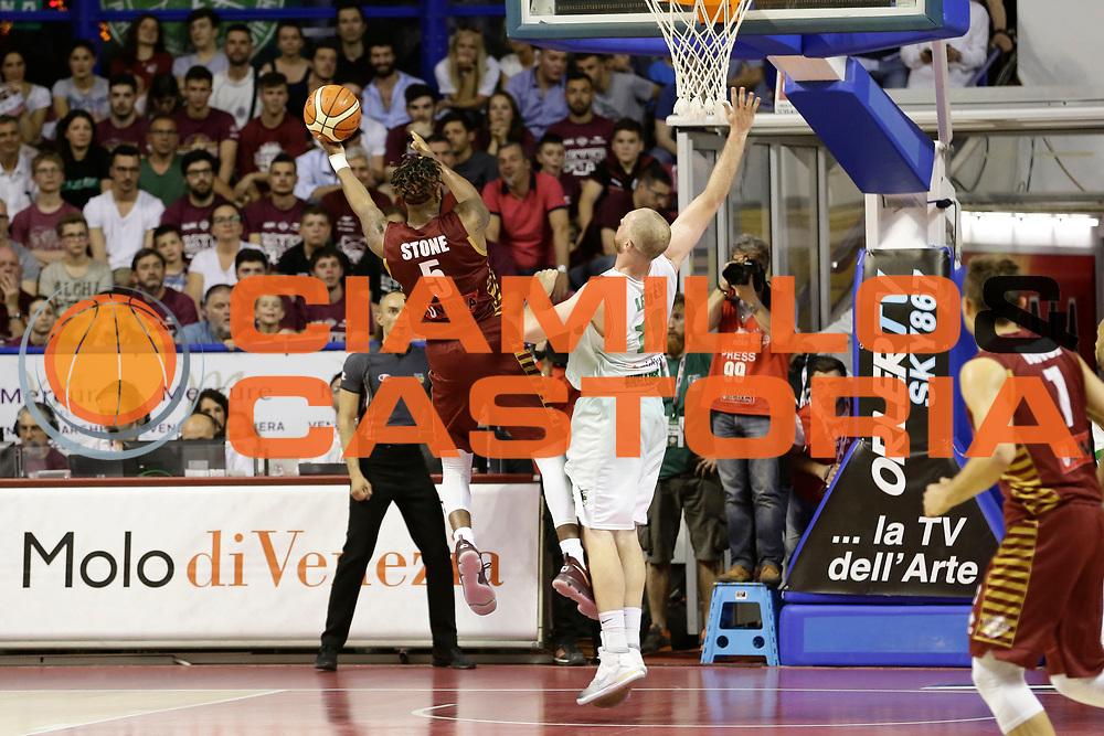 Stone<br /> Umana Reyer Venezia - Sidigas Scandone Avellino<br /> Lega Basket Serie A 2016/17 Semifinali Gara 01<br /> Venezia, 26/05/2017<br /> Foto Ciamillo-Castoria / M. Brondi