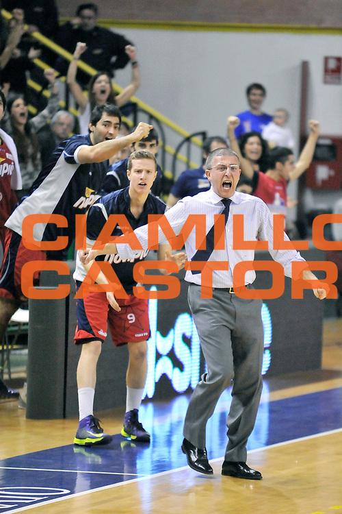 DESCRIZIONE: Casale Monferrato LNP ADECCO GOLD 2013/2014 Novipiu Casale Monferrato-Angelico Biella  <br /> GIOCATORE: Giulio Griccioli<br /> CATEGORIA: allenatori esultanza<br /> SQUADRA: Novipiu Casale Monferrato<br /> EVENTO: Campionato LNP ADECCO GOLD 2013/2014<br /> GARA: Novipiu Casale Monferrato-Angelico Biella<br /> DATA: 23/02/2014<br /> SPORT: Pallacanestro <br /> AUTORE: Junior Casale/G.Gentile<br /> Galleria: LNP GOLD 2013/2014<br /> Fotonotizia: Casale Monferrato Campionato LNP ADECCO GOLD 2013/2014 Novipiu Casale Monferrato-Angelico Biella<br /> Predefinita: