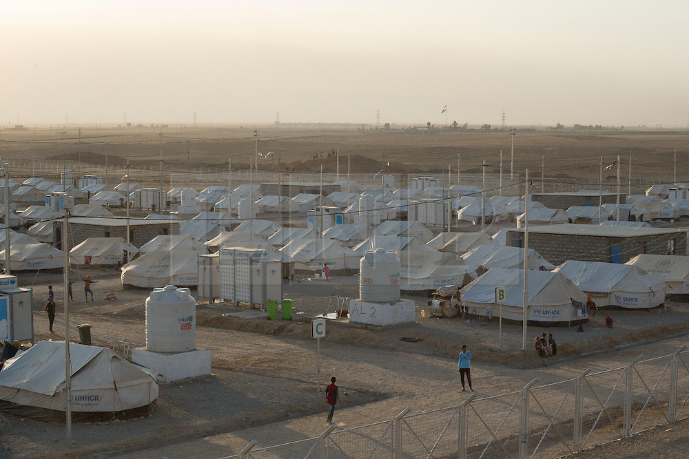 Licensed to London News Pictures. 22/10/2016. A tented area of the Dibaga refugee camp near Makhmur, Iraq. <br /> <br /> The crowded Dibaga camp, housing around 28,000 Sunni Arab refugees, is the main gathering point for new IDPs now fleeing areas where ISIS have been pushed out or are in conflict with the Iraqi Army. Photo credit: Matt Cetti-Roberts/LNP
