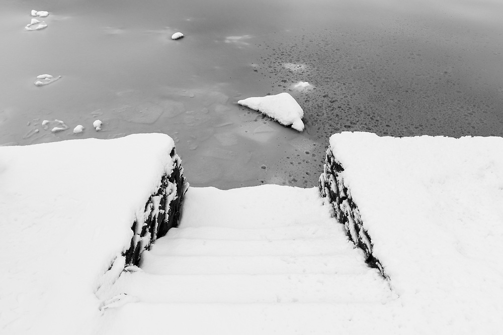 https://Duncan.co/snowy-staircase