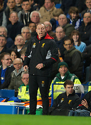 LONDON, ENGLAND - Friday, April 19, 2013: Liverpool's youth team coach Steve Cooper during the FA Youth Cup Semi-Final 2nd Leg match against Chelsea at Stamford Bridge. (Pic by David Rawcliffe/Propaganda)