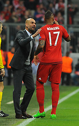 04.11.2015, Allianz Arena, Muenchen, GER, UEFA CL, FC Bayern Muenchen vs FC Arsenal, Gruppe F, im Bild Trainer Pep Guardiola (FC Bayern Muenchen) redet eindringlich auf Jerome Boateng (FC Bayern Muenchen) ein. // during the UEFA Champions League group F match between FC Bayern Munich and FC Arsenal at the Allianz Arena in Muenchen, Germany on 2015/11/04. EXPA Pictures © 2015, PhotoCredit: EXPA/ Eibner-Pressefoto/ Stuetzle<br /> <br /> *****ATTENTION - OUT of GER*****