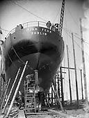 1954 - 26/08 Irish Fern being built for Irish Shipping Ltd