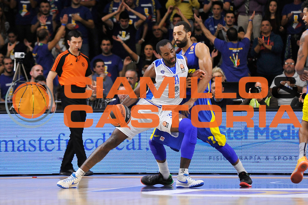 DESCRIZIONE : Eurolega Euroleague 2015/16 Group D Dinamo Banco di Sardegna Sassari - Maccabi Fox Tel Aviv<br /> GIOCATORE : Christian Eyenga<br /> CATEGORIA : Palleggio Controcampo<br /> SQUADRA : Dinamo Banco di Sardegna Sassari<br /> EVENTO : Eurolega Euroleague 2015/2016<br /> GARA : Dinamo Banco di Sardegna Sassari - Maccabi Fox Tel Aviv<br /> DATA : 03/12/2015<br /> SPORT : Pallacanestro <br /> AUTORE : Agenzia Ciamillo-Castoria/C.Atzori