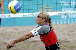 25-08-2006: VOLLEYBAL: NESTEA EUROPEAN CHAMPIONSHIP BEACHVOLLEYBALL: SCHEVENINGEN<br /> Rebekka Kadijk<br /> &copy;2006-WWW.FOTOHOOGENDOORN.NL