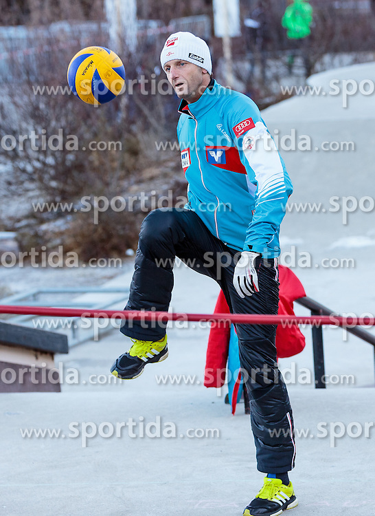 31.12.2016, Olympiaschanze, Garmisch Partenkirchen, GER, FIS Weltcup Ski Sprung, Vierschanzentournee, Garmisch Partenkirchen, Training, im Bild Cheftrainer Heinz Kuttin (AUT) // Headcoach Heinz Kuttin of Austria warm up before the Practice Jump for the Four Hills Tournament of FIS Ski Jumping World Cup at the Olympiaschanze in Garmisch Partenkirchen, Germany on 2016/12/31. EXPA Pictures © 2017, PhotoCredit: EXPA/ JFK
