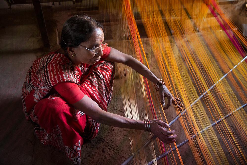 weaving silk sari in Maheshwar, India