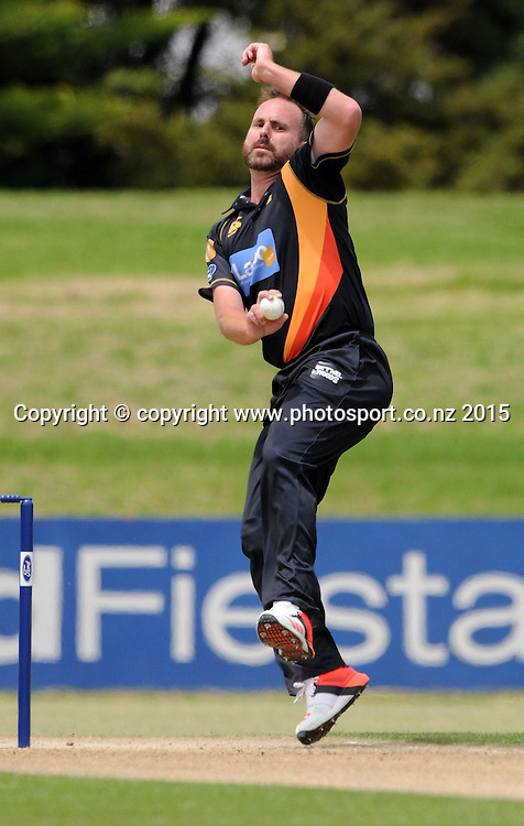 Wellington Firebird's Mark Gillespie bowls in the Ford Trophy One Day cricket match, Knights v Firebirds, Bay Oval, Mt Maunganui, Thursday, January 01, 2015. Photo: Kerry Marshall / photosport.co.nz