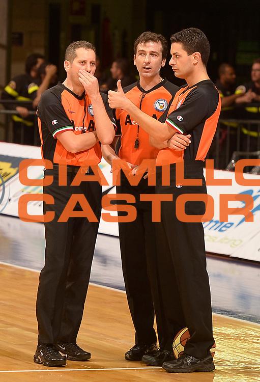 DESCRIZIONE : Desio campionato serie A 2013/14 EA7 Olimpia Milano Giorgio Tesi Group Piastoia <br /> GIOCATORE : <br /> CATEGORIA : arbitro referee<br /> SQUADRA : <br /> EVENTO : Campionato serie A 2013/14<br /> GARA : EA7 Olimpia Milano Giorgio Tesi Group Piastoia<br /> DATA : 04/11/2013<br /> SPORT : Pallacanestro <br /> AUTORE : Agenzia Ciamillo-Castoria/R. Morgano<br /> Galleria : Lega Basket A 2013-2014  <br /> Fotonotizia : Desio campionato serie A 2013/14 EA7 Olimpia Milano Giorgio Tesi Group Piastoia<br /> Predefinita :