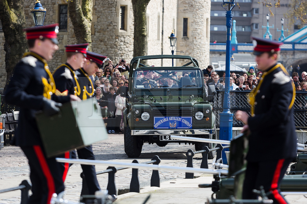© Licensed to London News Pictures. 21/04/2016. London, UK. The Honourable Artillery Company (HAC) prepare to fire a 62 round gun salute at The Tower of London, near Tower Bridge to mark the 90th birthday of Great Britain's Queen Elizabeth II. A Royal Salute normally comprises 21 guns, but is increased to 41 if fired from a Royal Park or Residence and uniquely, at The Tower of London, a total of 62rounds are fired on Royal anniversaries, including an additional 21 guns for the citizens of the City of London to show loyalty to the Monarch.  Photo credit : Vickie Flores/LNP