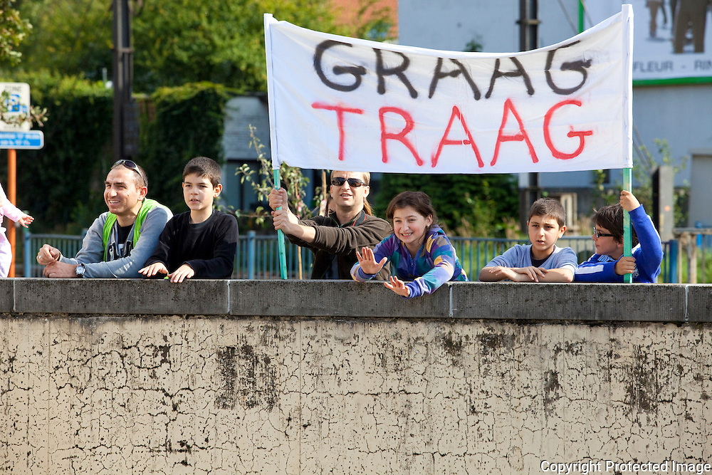 364261-buurtcomité den tunnel protesteert tegen verkeersonveiligheid op Antwerpsesteenweg Lier