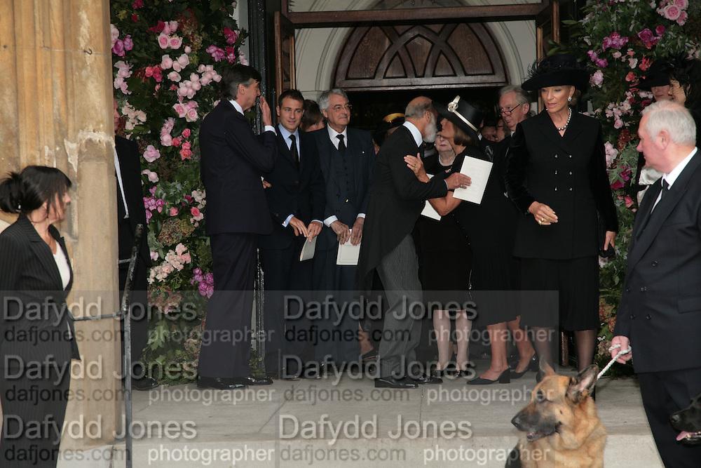 Mark Birley funeral. St Paul's , Knightsbridge. London. 19 September 2007. -DO NOT ARCHIVE-© Copyright Photograph by Dafydd Jones. 248 Clapham Rd. London SW9 0PZ. Tel 0207 820 0771. www.dafjones.com.