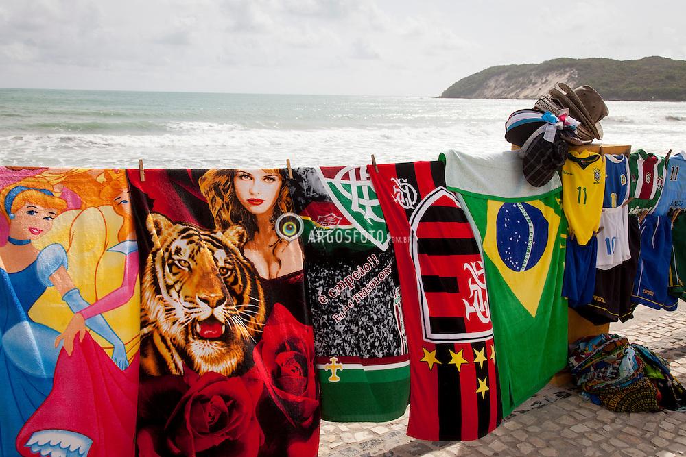 Comercio de rua na beira da praia Ponta Negra em natal / Street market at Ponta Negra beach, Natal RN -Brazil 2013.
