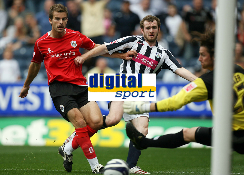 Photo: Rich Eaton.<br /> <br /> West Bromwich Albion v Barnsley. Coca Cola Championship. 01/09/2007. West Bromwich Albion's Craig Beattie (c) past keeper Heinz Muller as Stephen Foster (l) tackles but sees his shot go wide.