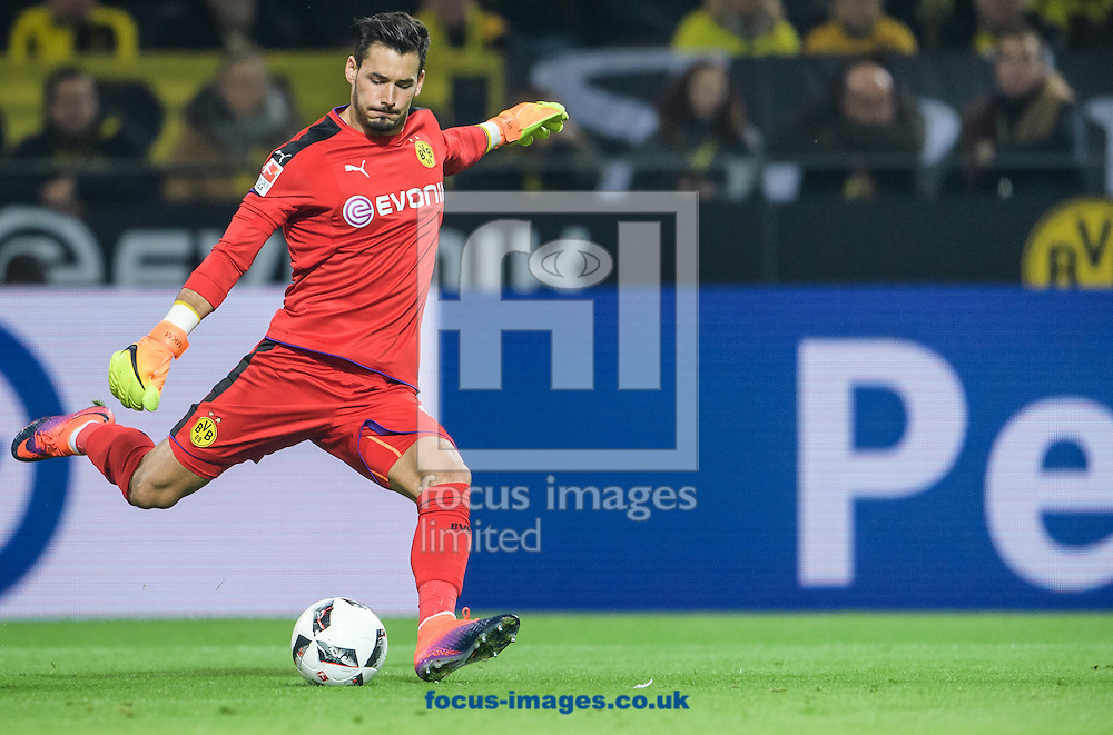 Roman Buerki of Borussia Dortmund during the Bundesliga match at Signal Iduna Park, Dortmund<br /> Picture by EXPA Pictures/Focus Images Ltd 07814482222<br /> 29/10/2016<br /> *** UK &amp; IRELAND ONLY ***<br /> EXPA-EIB-161030-0048.jpg