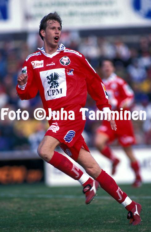 8.5.1997, Hietalahti, Vaasa.<br /> Veikkausliiga 1997.<br /> Vaasan Palloseura - FF Jaro.<br /> Marko Tuomela - FF Jaro