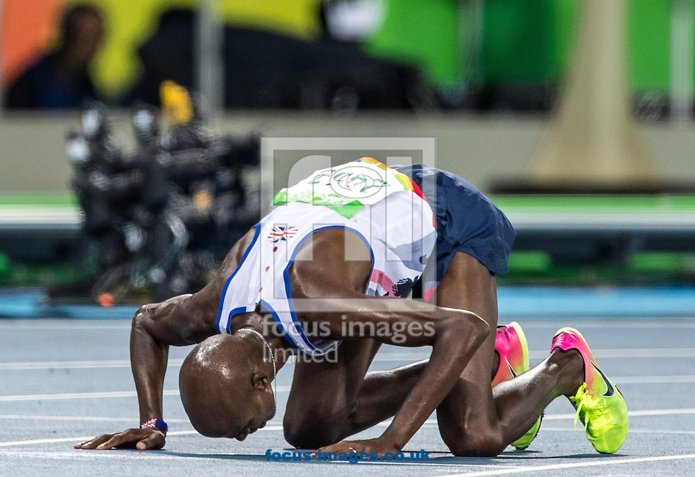 Mo Farah of Great Britain takes Gold to retain his title in the Men's 10,000m on day eight of the XXXI 2016 Olympic Summer Games in Rio de Janeiro, Brazil.<br /> Picture by EXPA Pictures/Focus Images Ltd 07814482222<br /> 13/08/2016<br /> *** UK &amp; IRELAND ONLY ***<br /> <br /> EXPA-GRO-160814-5314.jpg