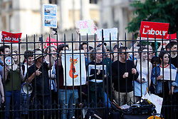 © Licensed to London News Pictures. 31/05/2017. Cambridge, UK.  Crowds gather at Senate House in Cambridge ahead of a leaders debate on BBC one. Recent polls have show a closing in the gap between the Labour Party and Conservative Party, in what was expected to be a landslide general election victory for the Conservatives. Photo credit: Peter Macdiarmid/LNP