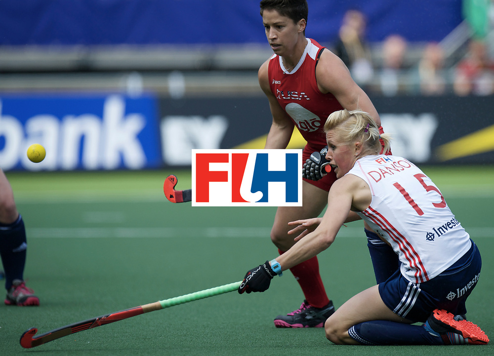 DEN HAAG - Rabobank Hockey World Cup<br /> 04 England - USA<br /> foto: Alex Danson (white) and Sophie Bray (red).<br /> COPYRIGHT FRANK UIJLENBROEK FFU PRESS AGENCY