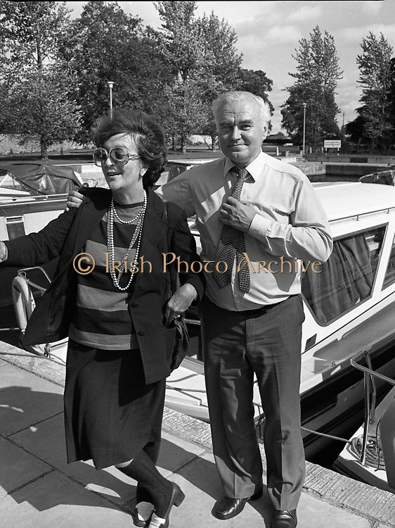 Galway Oyster Festival..1982.09.09.1982.09.09.1982.9th September 1982..Photo of two revellers enjoying The Festival which was held on the banks of the Shannon at Portumna Co.,Galway..It was held in the picturesque new marina. The event was sponsored by Guinness. Emerald Star line were also represented..