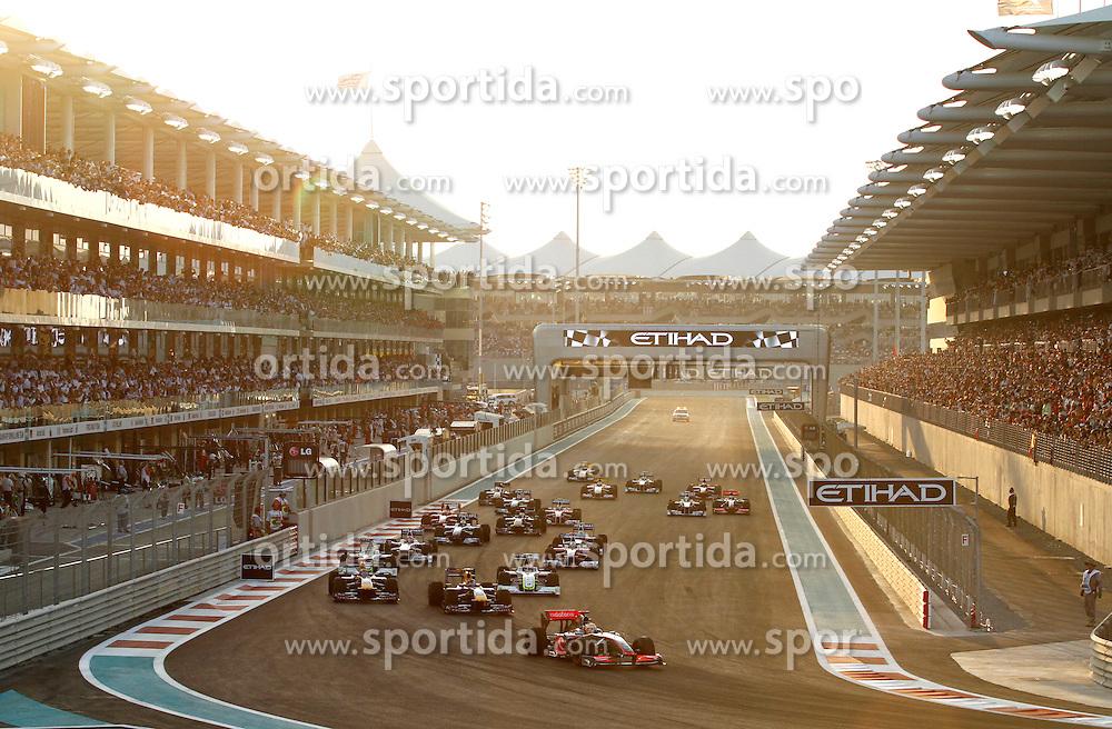 FORMEL 1: GP von Abu Dhabi, Abu Dhabi, 01.11.2009 <br /> Start, Rennstrecke, Illustration <br /> &Atilde;'&Acirc;&copy; pixathlon