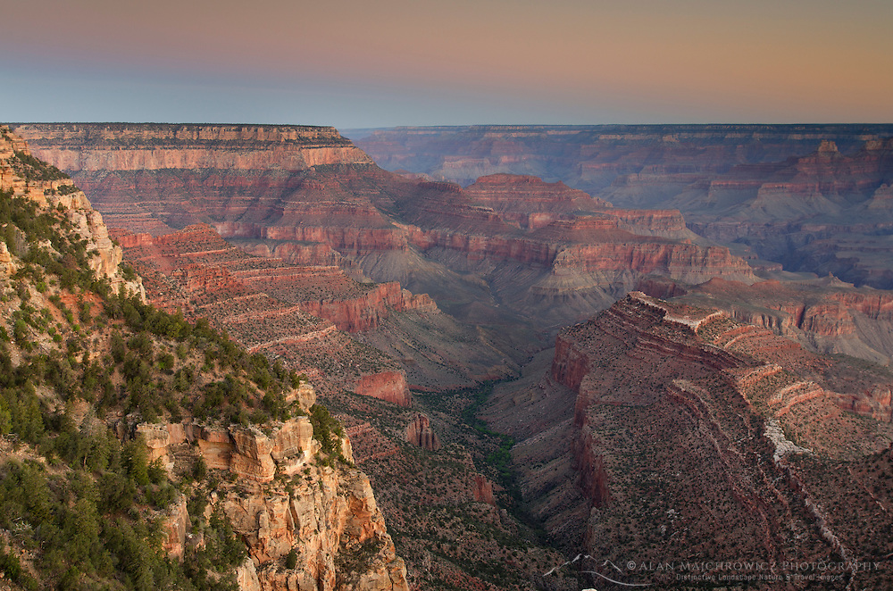 Morning alpenglow over the Grand Canyon, Grand Canyon National Park
