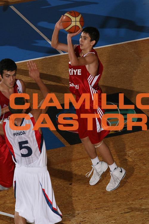 DESCRIZIONE : Pescara Termosteps U16 European Championship Men Final 3-4 Place France Turkey<br /> GIOCATORE : Safak Edge<br /> SQUADRA : Turkey<br /> EVENTO : Pescara Termosteps U16 European Championship Men Final 3-4 Place France Turkey Campionato Europeo Maschile Under 16 Finale 3-4 Posto Francia Turchia<br /> GARA : France Turkey<br /> DATA : 24/08/2008 <br /> CATEGORIA : tiro<br /> SPORT : Pallacanestro <br /> AUTORE : Agenzia Ciamillo-Castoria/M.Marchi<br /> Galleria : Europeo Under 16 Maschile<br /> Fotonotizia : Pescara Termosteps U16 European Championship Men Final 3-4 Place France Turkey<br /> Predefinita :