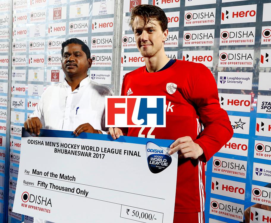 Odisha Men's Hockey World League Final Bhubaneswar 2017<br /> Match id:12<br /> Belgium v Netherlands<br /> Foto: Man of the match keeper Sam van der Ven (Ned) <br /> COPYRIGHT WORLDSPORTPICS KOEN SUYK