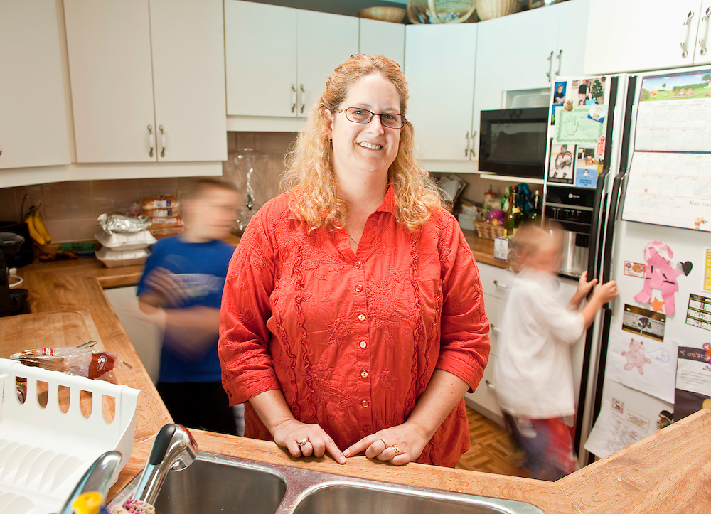 London, Ontario ---11-05-30--- Kim Thornton of  London, Ontario is trying to find inexpensive activities for her 4 children as the family tries to save money to pay off more than $50,000 of consumer debt they have accumulated.<br /> GEOFF ROBINS The Globe and Mail