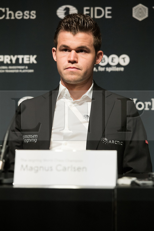 © Licensed to London News Pictures. 08/11/2018. London, UK. Reigning Chess Champion Magnus Carlsen attends a press conference ahead of his 12 match game against US Challenger Fabiano Caruana to determine the FIDE World Chess Champion<br /> Photo credit: Ray Tang/LNP