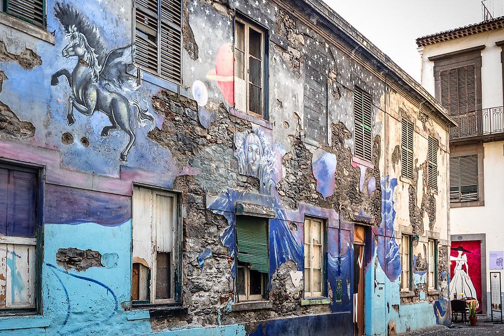 Mural en la ciudad vieja, Funchal, Madeira ©Javier Abad / PILAR REVILLA