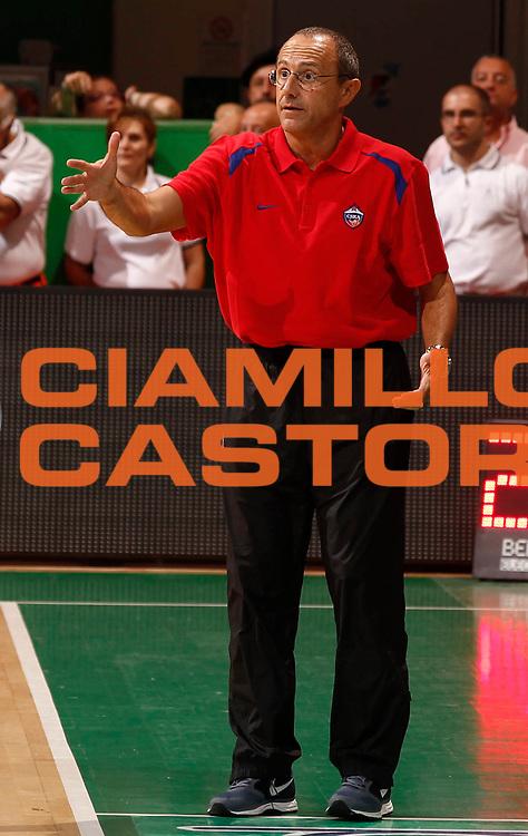 DESCRIZIONE : Siena 2013-14 Torneo Bellaveglia Montepaschi Siena Cska Mosca<br /> GIOCATORE : Ettore Messina<br /> CATEGORIA : Delusione<br /> SQUADRA : Cska Mosca<br /> EVENTO : Campionato Lega A 2013-2014 <br /> GARA : Montepaschi Siena Cska Mosca<br /> DATA : 14/09/2013<br /> SPORT : Pallacanestro <br /> AUTORE : Agenzia Ciamillo-Castoria/P.Lazzeroni<br /> Galleria : Lega Basket A 2013-2014  <br /> Fotonotizia : Siena 2013-14 Torneo Bellaveglia Montepaschi Siena Cska Mosca<br /> Predefinita :