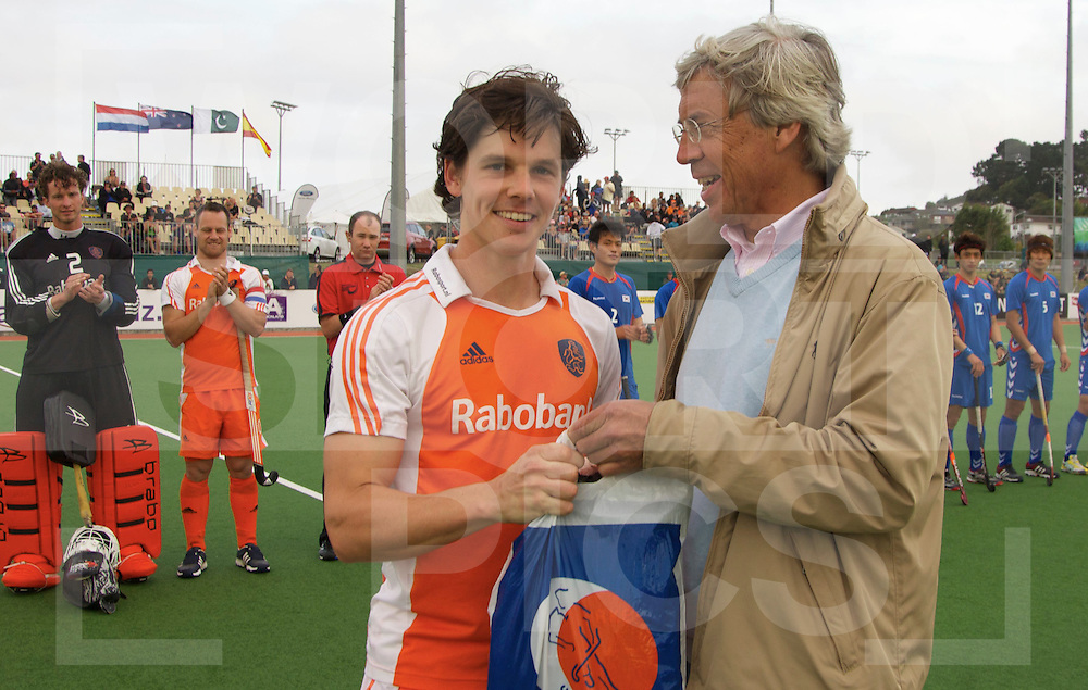 AUCKLAND - Champions Trophy men.Netherlands v Korea.foto: Wouter Jolie 100e cap.FFU Press Agency  COPYRIGHT FRANK UIJLENBROEK..
