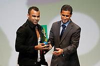 "20091207: RIO DE JANEIRO, BRAZIL - Brazilian Football Awards 2009 (""Craque Brasileirao 2009""), held at the Museum of Modern Art in Rio de Janeiro. In picture: Fernandinho (Barueri) - Best new talent. PHOTO: CITYFILES"