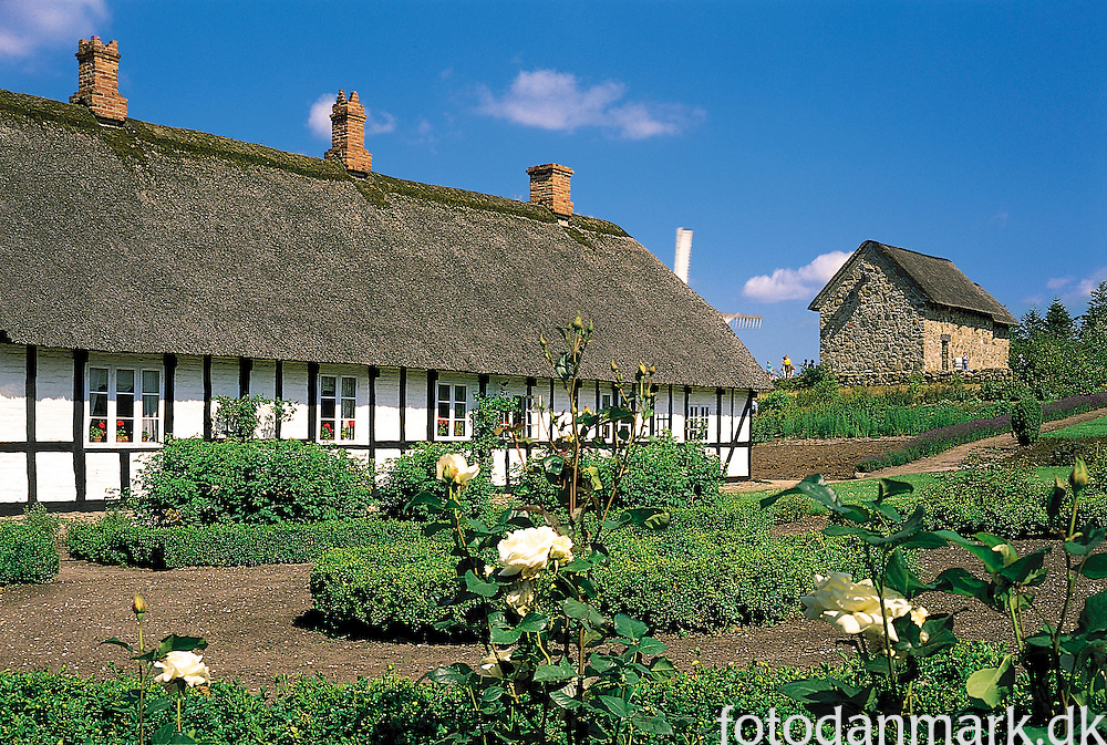 Hjerl Hede is an open air museum located in Jutland. Here are many houses and buidlings … many hundred years old.  The museum was founded in 1930, and shows the development from the fifteen hundreds and up till aprox. 1910.