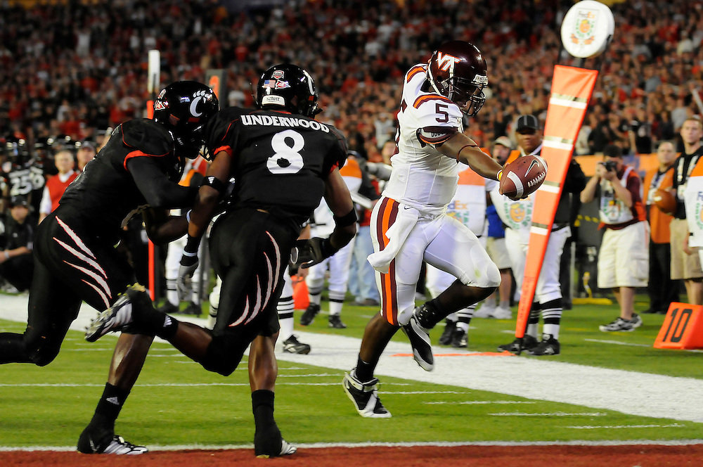 January 1, 2009: Tyrod Taylor of the Virginia Tech Hokies in action during the NCAA football game between the Virginia Tech Hokies and the Cincinnati Bearcats in the Orange Bowl Classic. The Hokies defeated the Bearcats 20-7.