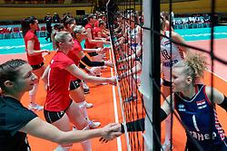 09–01-2020 NED: Olympic qualification tournament women Croatia - Belgium, Apeldoorn<br /> Croatia - Belgium / Handshaking Belgium