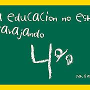 """""""La educacion no esta travajando""""<br /> El gráfico- creado por George Richardson- en apoyo a la ley dominicana que establece un 4% anual para educacion. <br /> El gráfico refleja con ironia pero con crudeza el serio alcanze del problema.<br /> <br /> """"Joan"""",un joven de 8 años, escribe en texto vacilante y en color blanco con letras torciadas que """"la educacion no esta travajando"""".<br /> <br /> Tanto el texto como el fondo verde insinuan que el estudiante escribe en una pizarra.<br /> <br /> El gráfico casi agrede al cerebro. El cerebro reacciona con incredulidad. Claro que algo esta mal... y se ve como una vez más el medio es el mensage."""