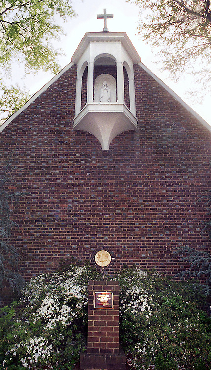 CHAPEL BUILDING on campus of The College of William & Mary , Williamsburg,VA. 05131995