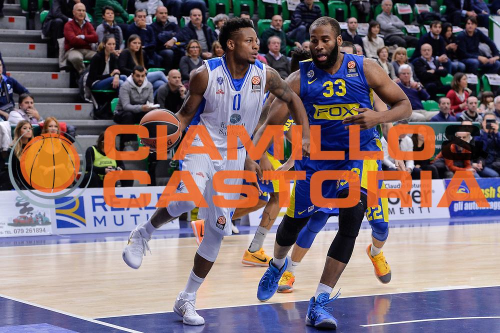 DESCRIZIONE : Eurolega Euroleague 2015/16 Group D Dinamo Banco di Sardegna Sassari - Maccabi Fox Tel Aviv<br /> GIOCATORE : MarQuez Haynes<br /> CATEGORIA : Passaggio Penetrazione<br /> SQUADRA : Dinamo Banco di Sardegna Sassari<br /> EVENTO : Eurolega Euroleague 2015/2016<br /> GARA : Dinamo Banco di Sardegna Sassari - Maccabi Fox Tel Aviv<br /> DATA : 03/12/2015<br /> SPORT : Pallacanestro <br /> AUTORE : Agenzia Ciamillo-Castoria/L.Canu